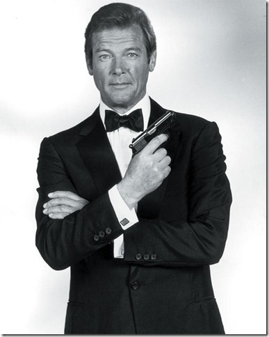 Bond_Roger-Moore_ampliacion