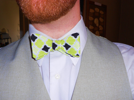 Chartreuse Aposematic Lattice Thistle/Butterfly Cotton Bowtie